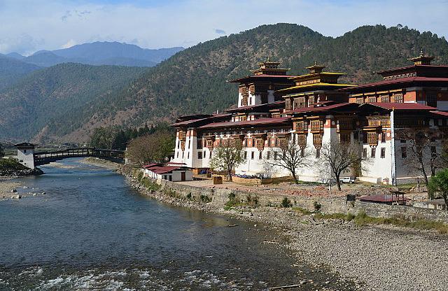 6.1387481877.punakha-dzong