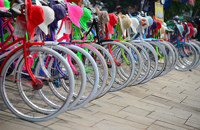 2.1381445110.colourful-rental-bicycles