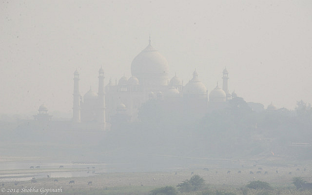 7.1415404800.smog-covered-view-of-the-taj-from-the-red-fort